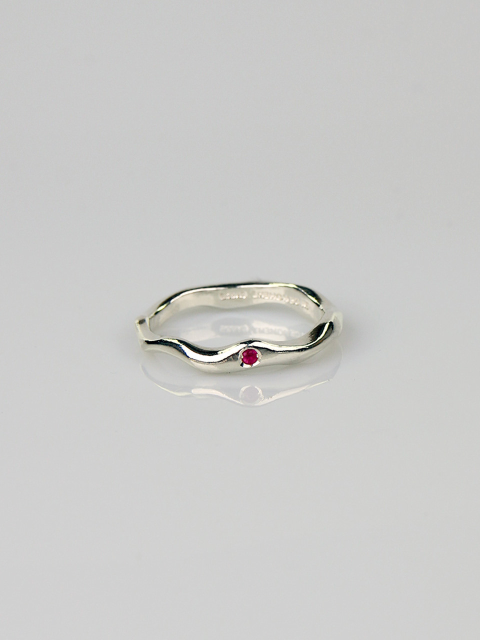 Ruby - Wave Thin Ring