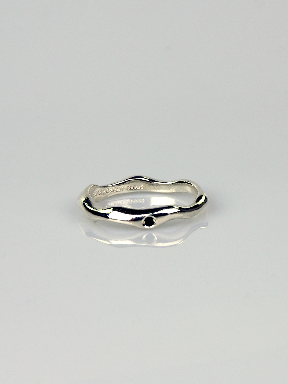 Sapphire - Wave Thin Ring