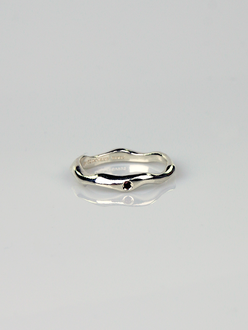 Garnet - Wave Thin Ring