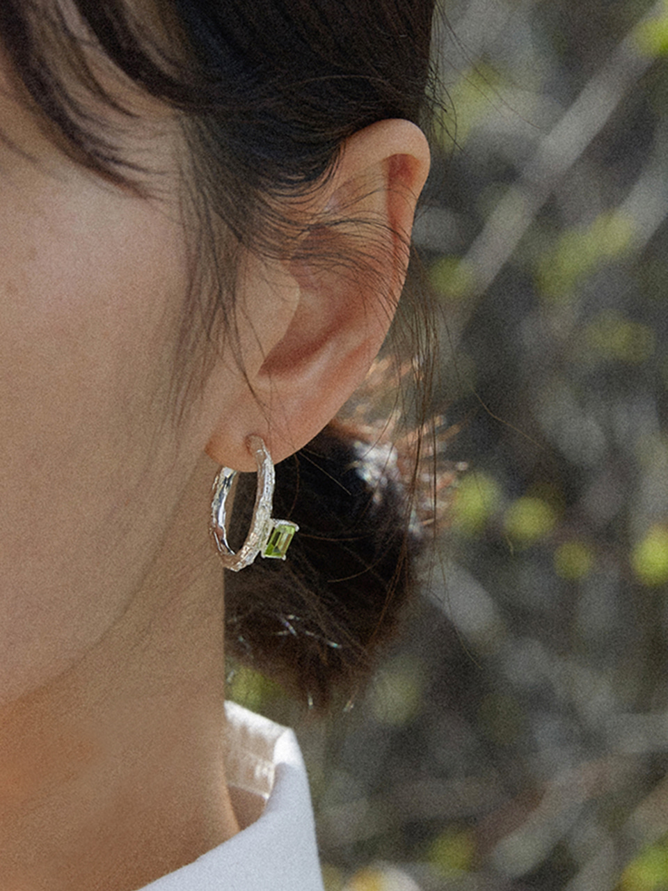 Twig Earrings - peridot (square)
